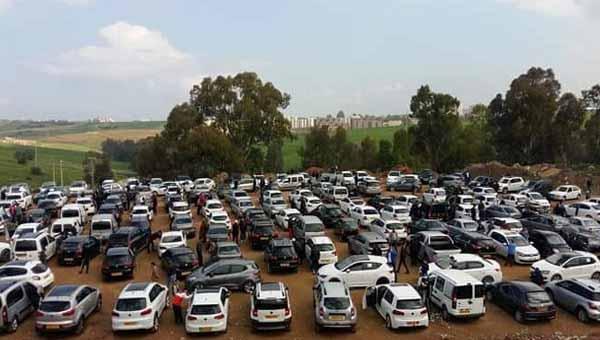 سوق تيجلابين للسيارات يفتح أبوابه رسميا