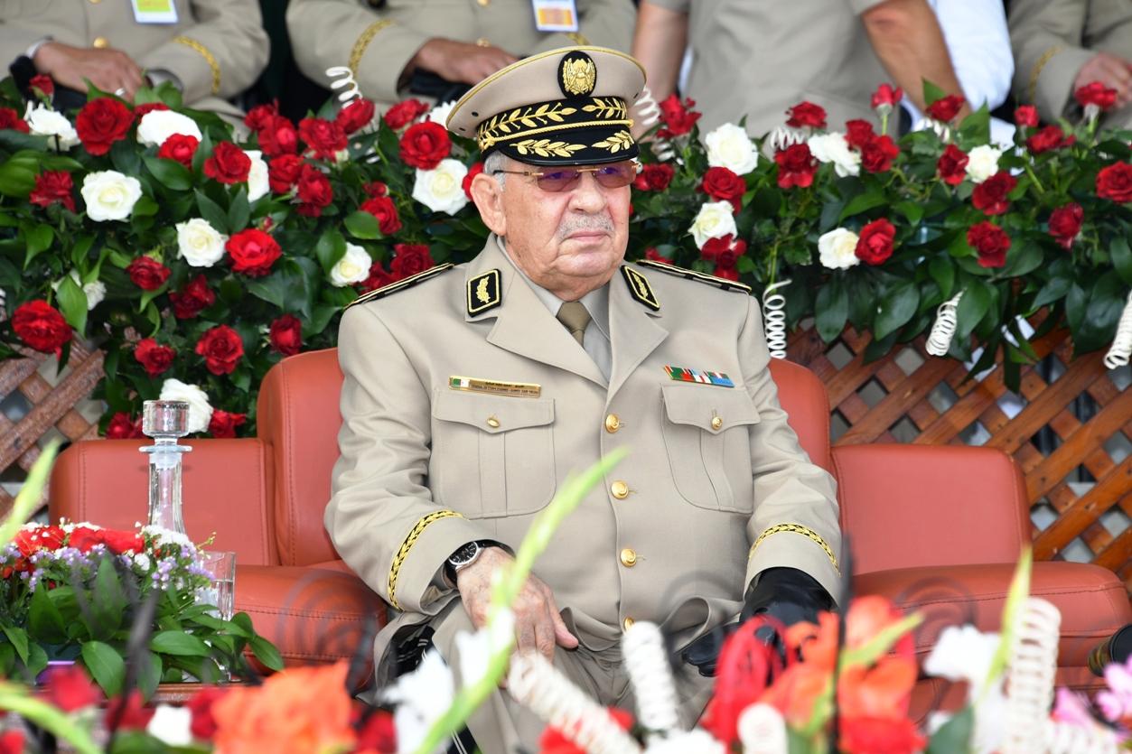 الفريق قايد صالح يهنئ الرئيس تبون