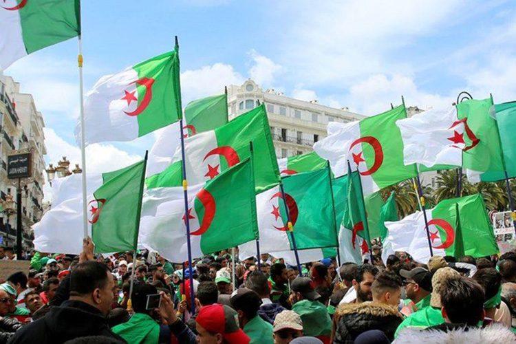 """الحراك يُخرج الجزائر من """"دائرة الاستبداد"""""""