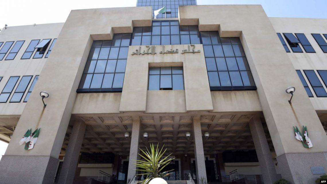 تحقيقات قضائية تكشف فساد وزراء وولاة سابقين