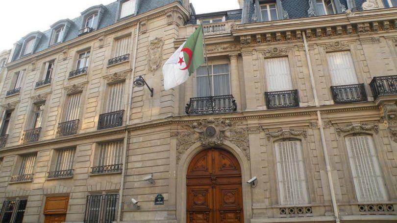 سفير الجزائر بالسويد يعرقل تسوية وضعية الحراقة