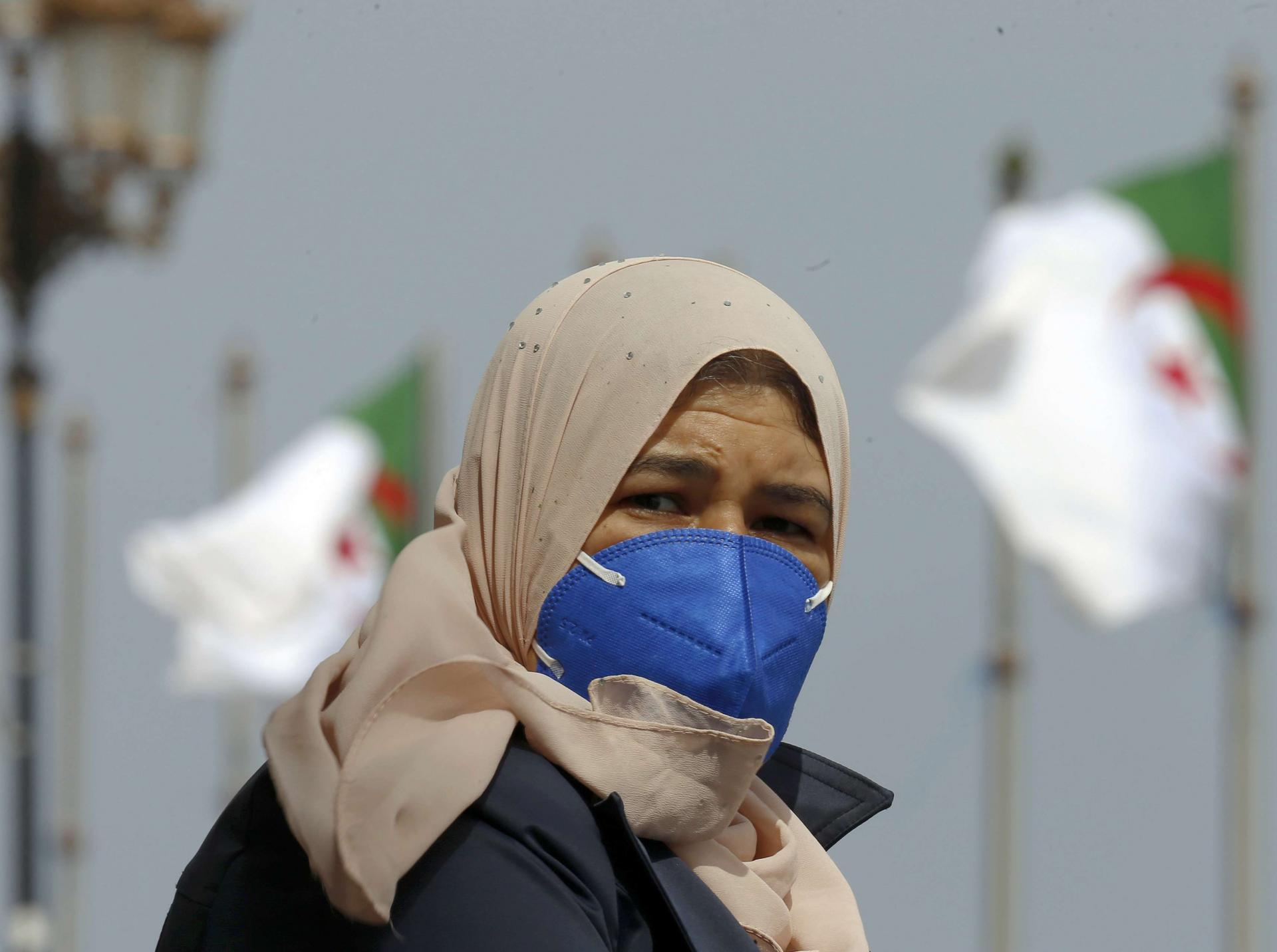 استمرار ارتفاع إصابات كورونا في الجزائر