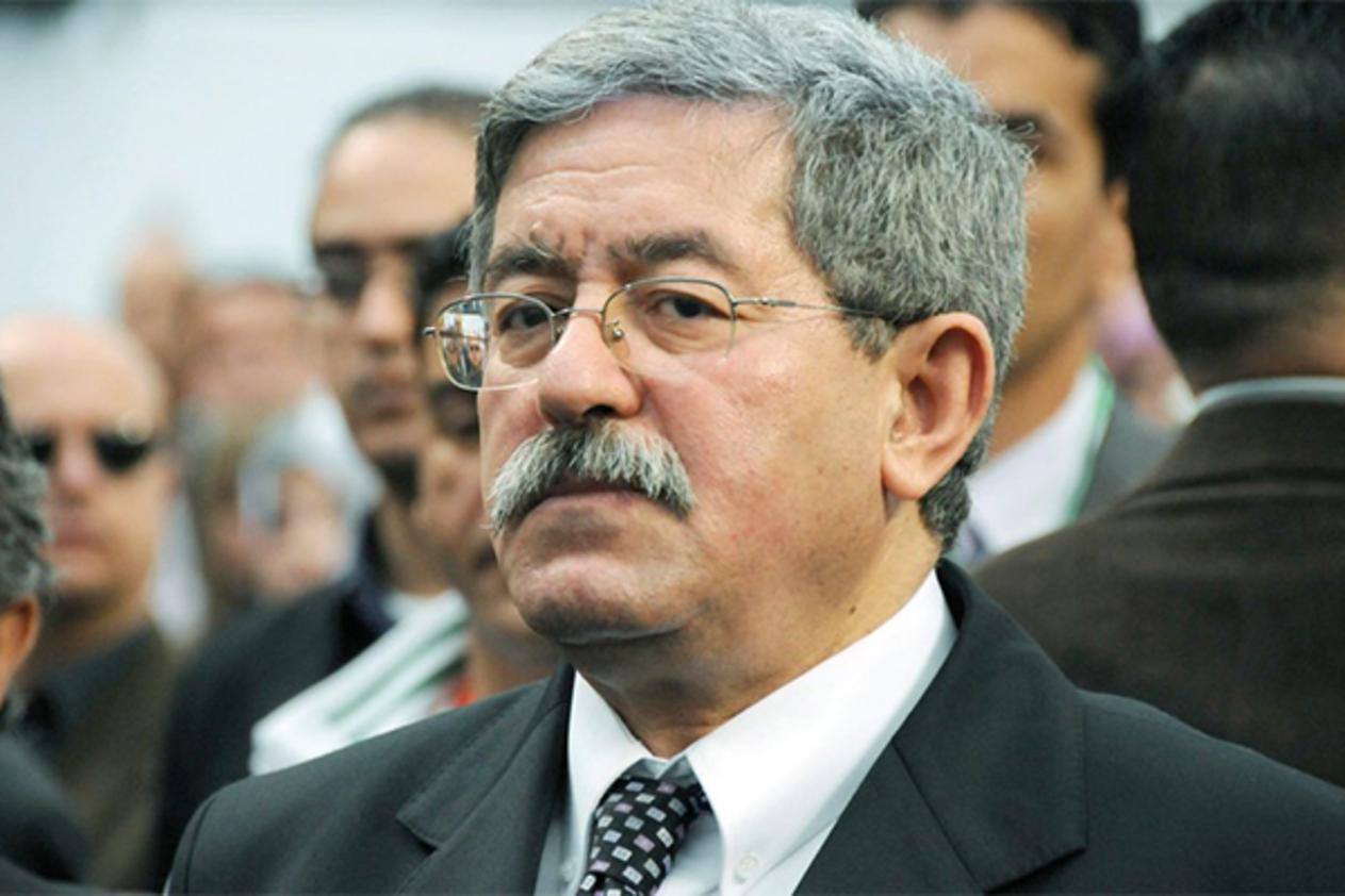 مجلس قضاء الجزائر يؤجل قضية نهب العقار السياحي بسكيكدة بسبب أويحيى