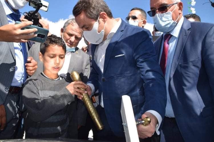 الوزير خالدي يضع حجر أساس مشروع إنجاز 98 ملعبا جواريا بولاية خنشلة