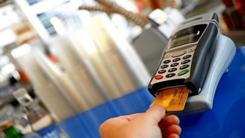 الخبير الاقتصادي: الدفع الالكتروني سيحارب السوق السوداء