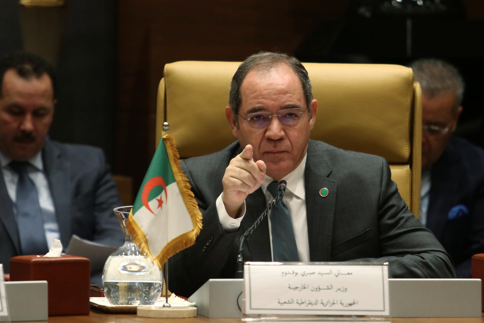 """بوقدوم يذكّر فرنسا بعملية """"اليربوع الأزرق"""" في الصحراء الجزائرية"""