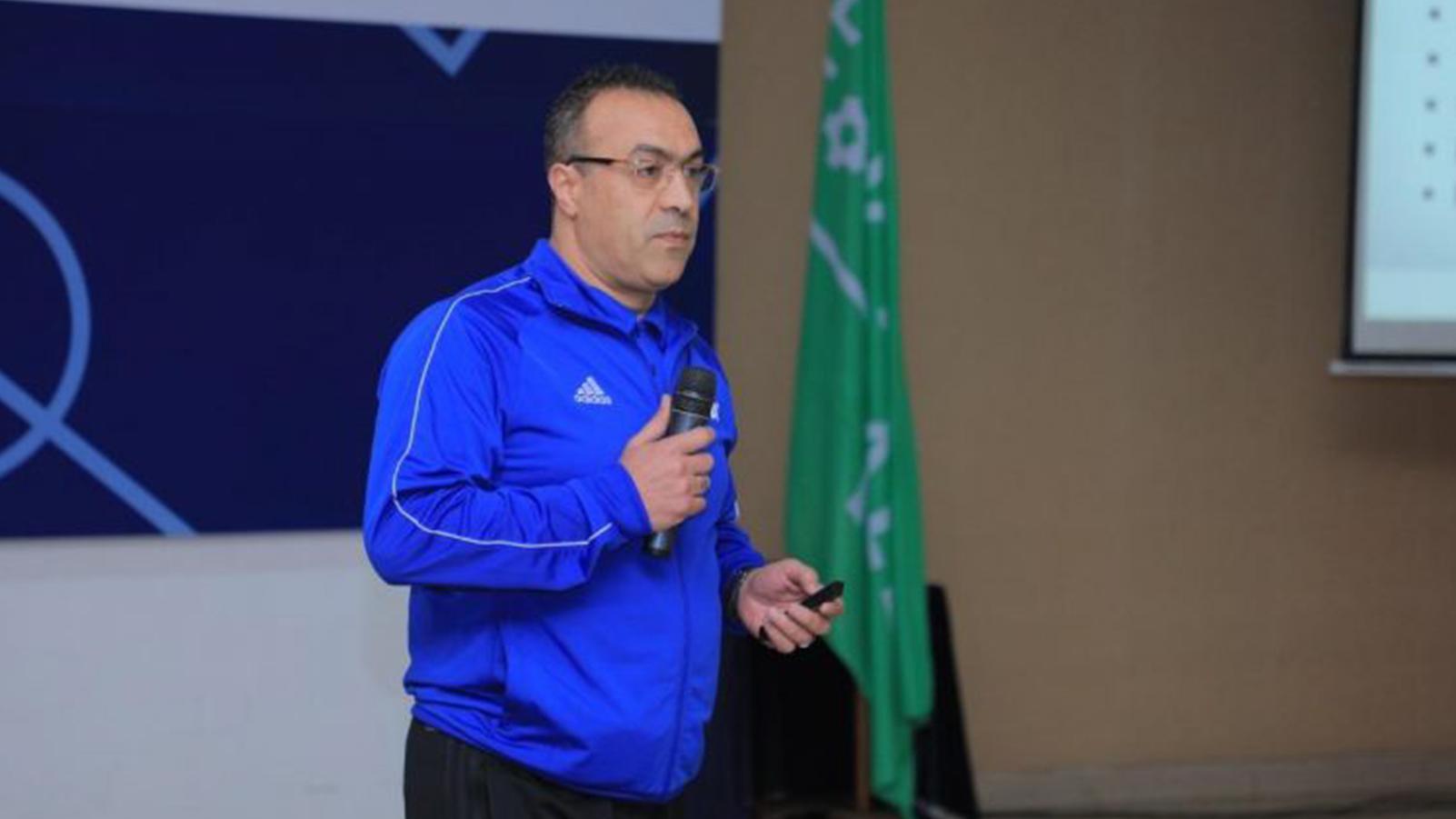 """عامر شفيق يدق ناقوس الخطر بشأن وضعية """"الخضر"""""""