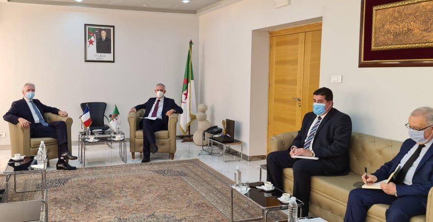 وزير الصناعة والسفير الفرنسي يدرسان سبل الشراكة بين البلدين