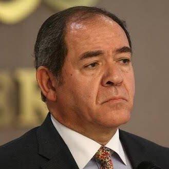 بوقادوم يتحادث مع نظيره التونسي