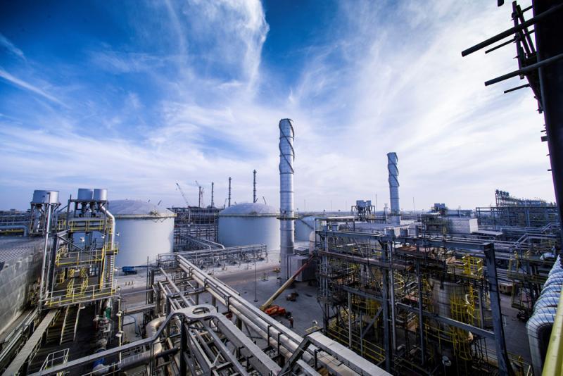 وزير الطاقة يعترف..الجزائر متأخرة جدا في الصناعة البيتروكيميائية