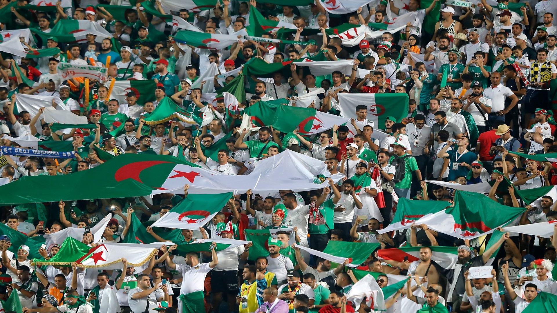 """أنصار """"الخضر"""" يحيون ذكرى واحدة من أروع ملاحم كرة القدم الجزائرية"""