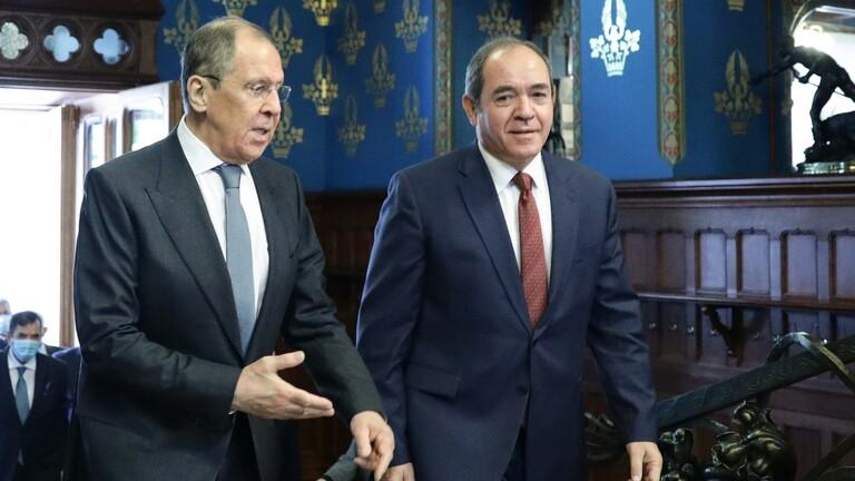 """بوقدوم ولافروف يضعان آخر الروتوشات حول إمداد الجزائر بلقاح """"سبوتنيك V"""""""