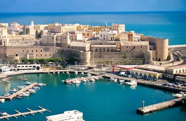 إسبانيا تردّ على المغرب بمشروع خط بحري بين جزيرة مليلية والجزائر