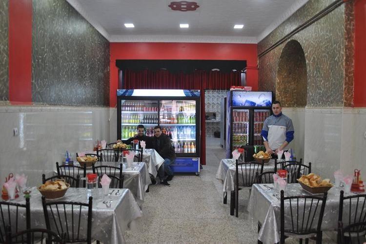 إعادة فتح المطاعم ومحلات الأكل السريع والمقاهي
