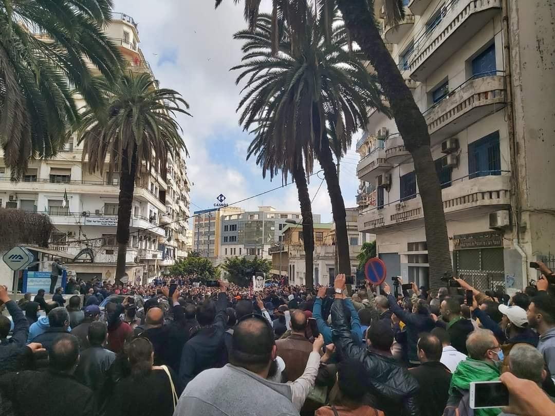 استئناف مسيرات الحراك الشعبي في الجمعة 106