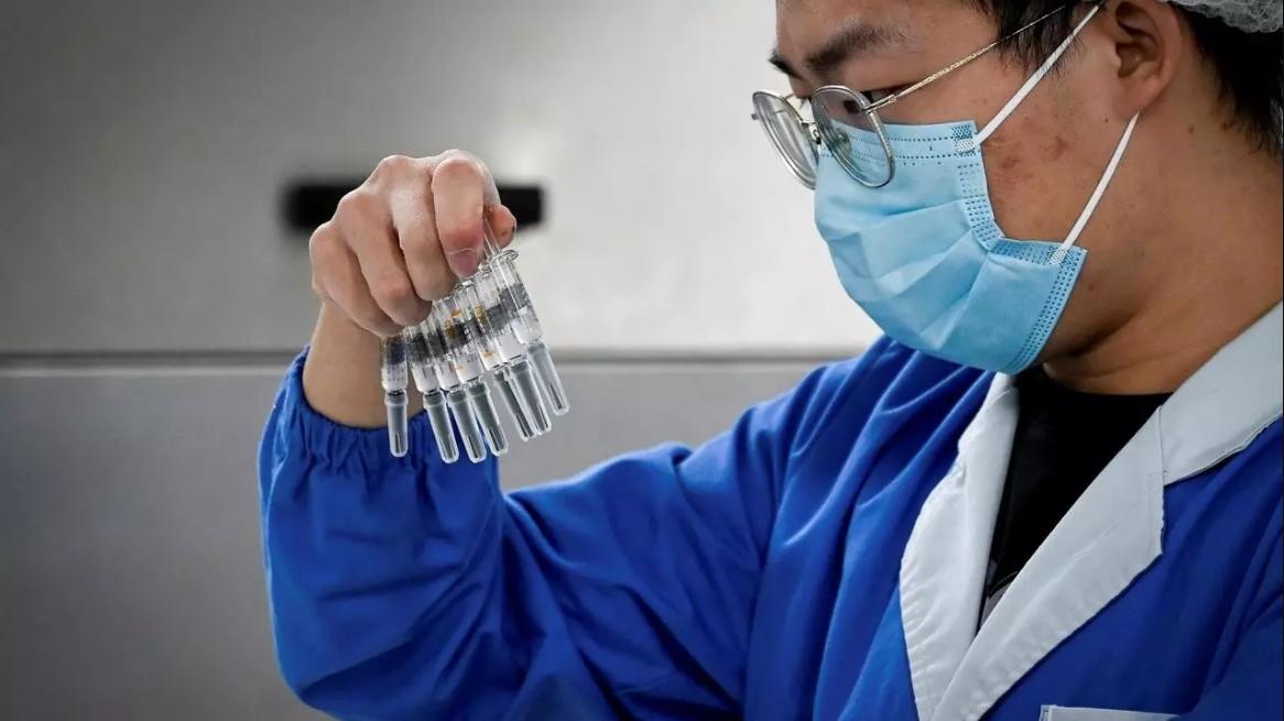 درار: الجزائر ستقتني اللقاح الصيني نهاية فيفري وتطمح للوصول إلى 40 مليون جرعة