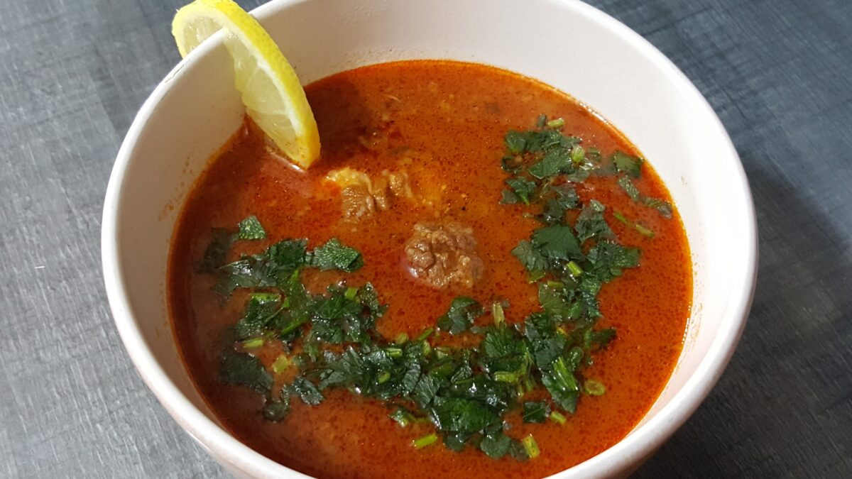 طبق شوربة فريك الجزائري.. ضمن أفضل 12 حساء عالمي