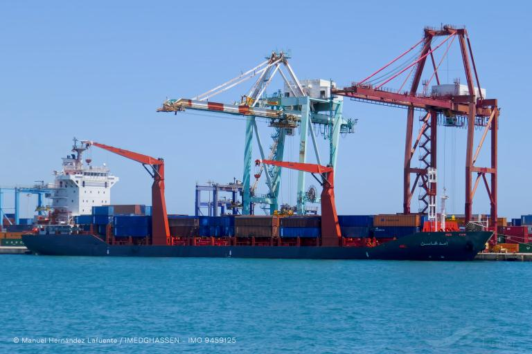 وصول أول سفينة نقل جزائرية عبر خط بحري مباشر إلى نواكشوط