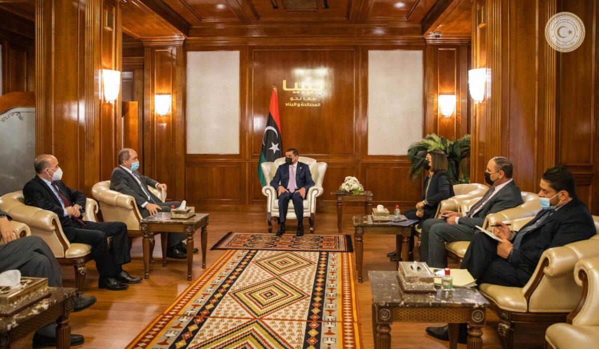 وفد جزائري رفيع المستوى يحظى باستقبال رئيس حكومة الوحدة الوطنية الليبية