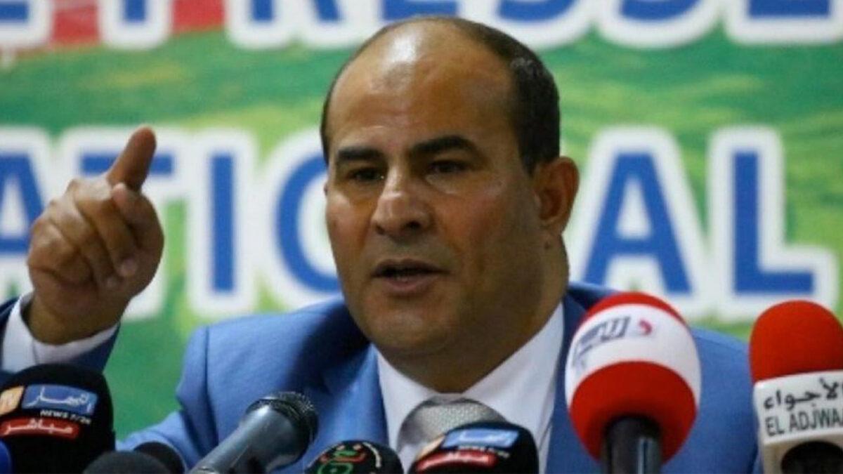 مدوار يتخذ قرارا هاما بخصوص الدوري الجزائري لكرة القدم