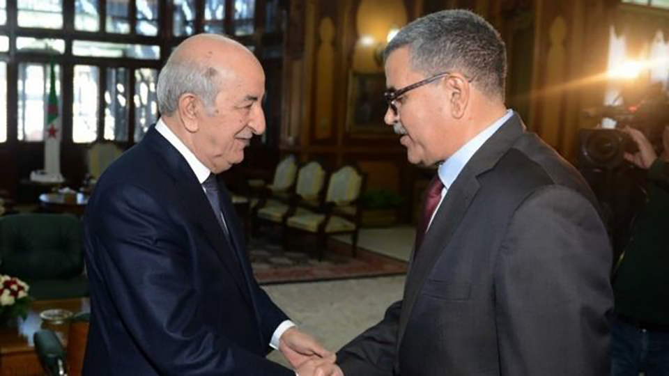 رئاسة: استقالة عبد العزيز جراد