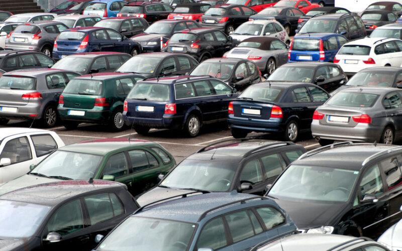 تمكين أصحاب المركبات المستوردة المحجوزة من استرجاعها مؤقتا