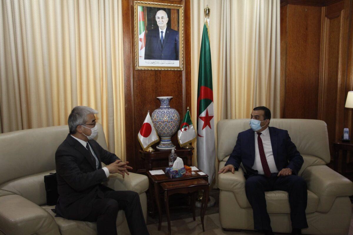 الجزائر تستنجد بالخبرة اليابانية في تحلية مياه البحر